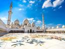 فتح المساجد لأداء صلاة الجمعة في الإمارات